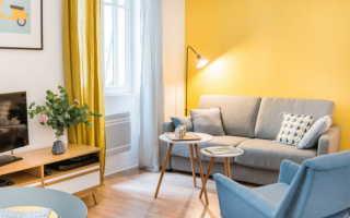Желтый цвет в интерьере гостиной — 45 идей
