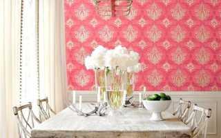 Использование в интерьере кухни розовых обоев