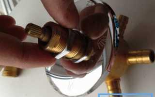 Как починить смеситель в душевой кабине, не вызывая сантехника?