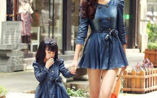 Модный единый образ мамы и дочки в стиле Family Look