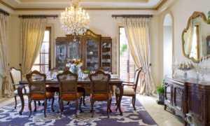 Как оформить интерьер гостиной в 2 окна?