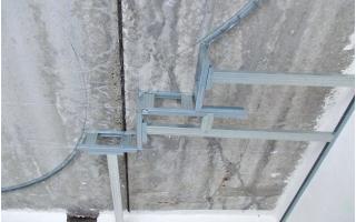 Как выполнить выравнивание потолка гипсокартоном
